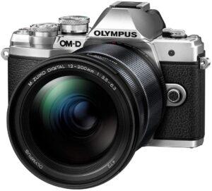 Funzionamento intuitivo con modalità auto affidabili e modalità foto avanzate Olumpus M10 Mark III