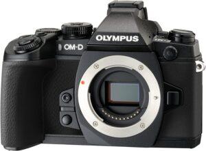 Olympus OMD E-M1 Mark II Prestazioni ad alta velocità Mobilità e affidabilità Eccellente qualità delle immagini