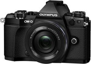 Fotocamera professionale Micro QuattroTerzi Olympus M5