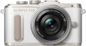 Olympus PEN PL8 4/3'' sensore Live MOS, pixel effettivi 16,1 megapixel, funzioni video intelligenti LCD inclinabile con touchscreen