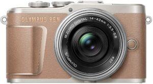 Olympus PEN E-PL10 La più semplice connessione al telefono grazie a Bluetooth e WLAN: in modo che la fotocamera possa essere controllata in qualsiasi momento dalla tasca o trasferire le immagini sul telefono
