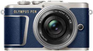 """Olympus PEN PL9 Risoluzione video massima: 3840 x 2160 pixel. Dimensioni schermo: 7,62 cm (3""""). Touch screen Peso: 332 g. Colore del prodotto: blu."""